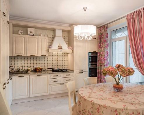 Особенности выбора штор на кухню